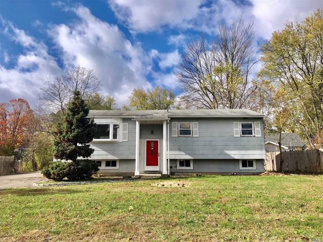 3006 Falcon Ave, Medford, NY 11763 (MLS #3179819) :: Signature Premier Properties