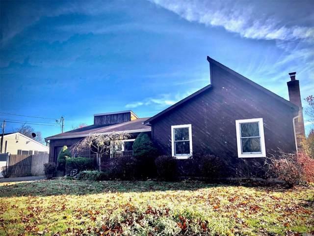 906 Peconic St, Ronkonkoma, NY 11779 (MLS #3180215) :: Keller Williams Points North