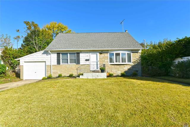 63 Thorne Ave, Massapequa, NY 11758 (MLS #3180651) :: Signature Premier Properties