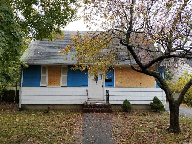 8 Howells Rd, Bay Shore, NY 11706 (MLS #3180675) :: Shares of New York