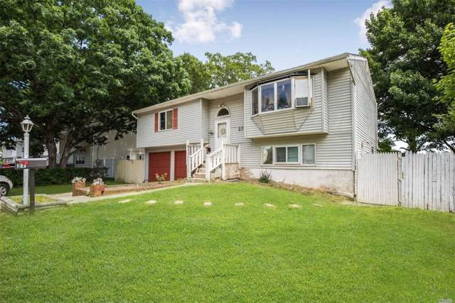 27 Owens St, Brentwood, NY 11717 (MLS #3180779) :: Signature Premier Properties