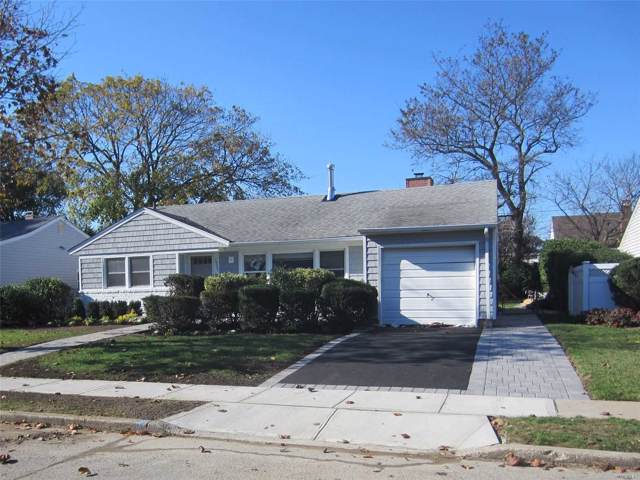 1732 Adelphi Rd, Wantagh, NY 11793 (MLS #3181363) :: RE/MAX Edge