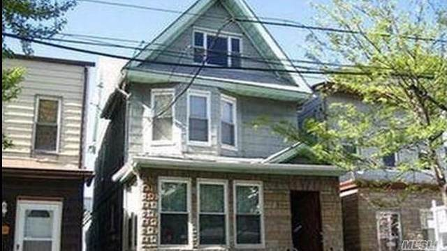 7822 88th Rd, Woodhaven, NY 11421 (MLS #3181584) :: Signature Premier Properties