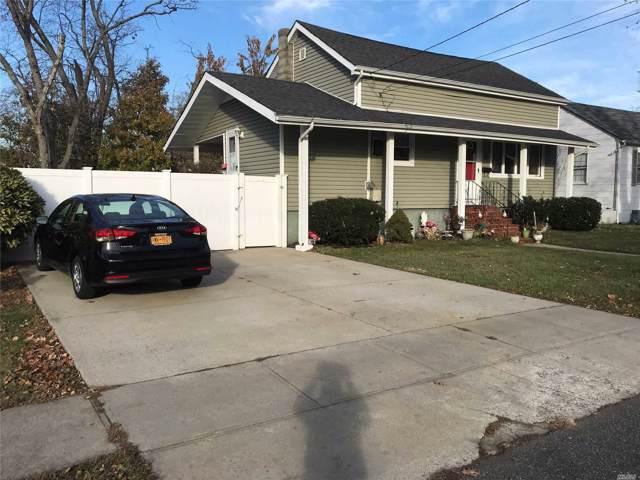 Lindenhurst, NY 11757 :: RE/MAX Edge