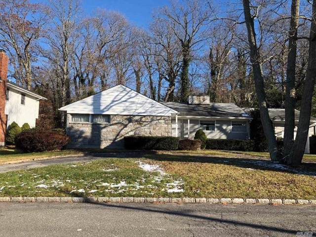 16 Irving Dr, Woodbury, NY 11797 (MLS #3184477) :: Signature Premier Properties