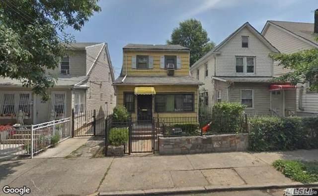 31-49 95th St, E. Elmhurst, NY 11369 (MLS #3192262) :: HergGroup New York