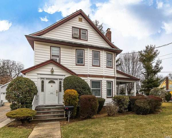212 Morris Ave, Rockville Centre, NY 11570 (MLS #3198534) :: Kevin Kalyan Realty, Inc.