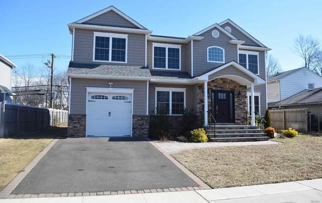 251 Southwood Cir, Syosset, NY 11791 (MLS #3200504) :: Signature Premier Properties