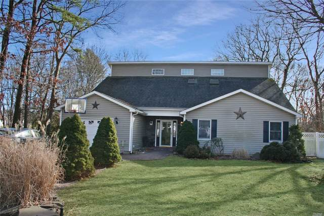 472 Twinbark Ave, Holbrook, NY 11741 (MLS #3201574) :: Denis Murphy Real Estate
