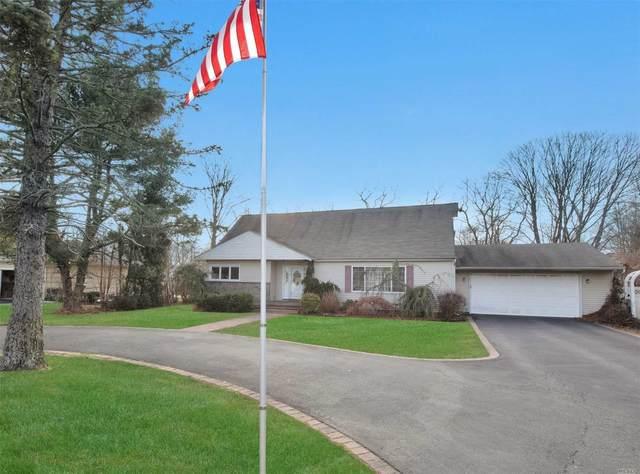 320 Sunrise Ave, Sayville, NY 11782 (MLS #3201795) :: Denis Murphy Real Estate