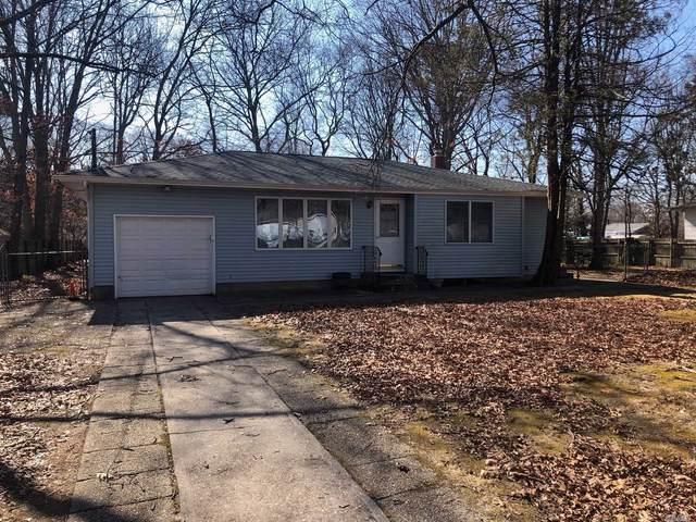 8 Alan St, Holbrook, NY 11741 (MLS #3202024) :: Denis Murphy Real Estate