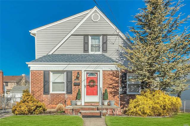 69 Lawrence, New Hyde Park, NY 11040 (MLS #3202557) :: Denis Murphy Real Estate