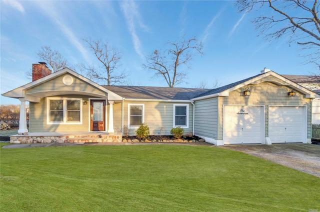 117 Crystal Beach Blvd, Moriches, NY 11955 (MLS #3003589) :: Netter Real Estate