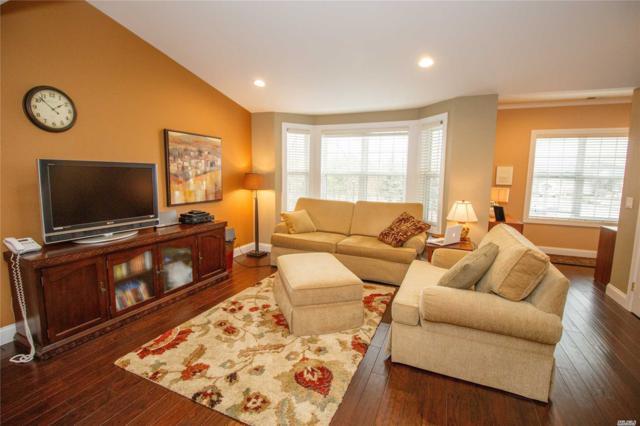 104 Maya Cir, Central Islip, NY 11722 (MLS #3008556) :: Netter Real Estate