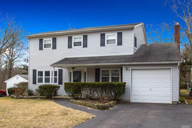 10 Lilly Ct, Moriches, NY 11955 (MLS #3016973) :: Netter Real Estate