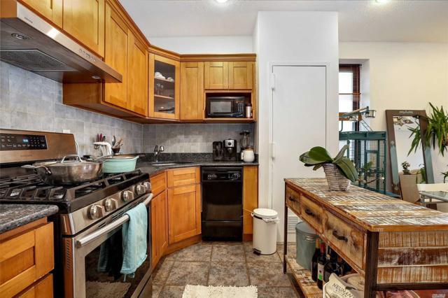 680 81 Street 2A, Brooklyn, NY 11228 (MLS #3022607) :: Netter Real Estate