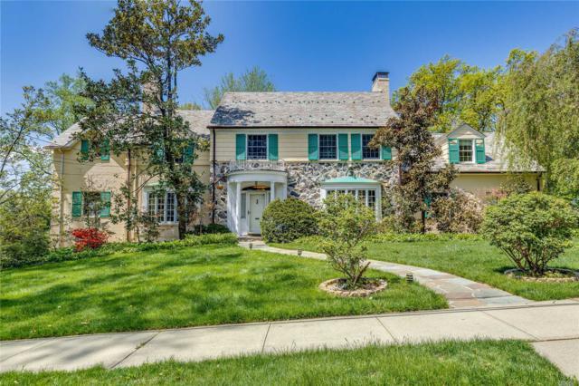 2 Grosvenor Pl, Great Neck, NY 11021 (MLS #3027229) :: Netter Real Estate