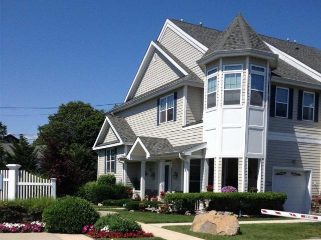101 Jackie Ct, Patchogue, NY 11772 (MLS #3030384) :: Netter Real Estate