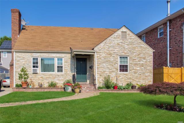 31 Frost Pond Rd, Glen Cove, NY 11542 (MLS #3046785) :: Netter Real Estate