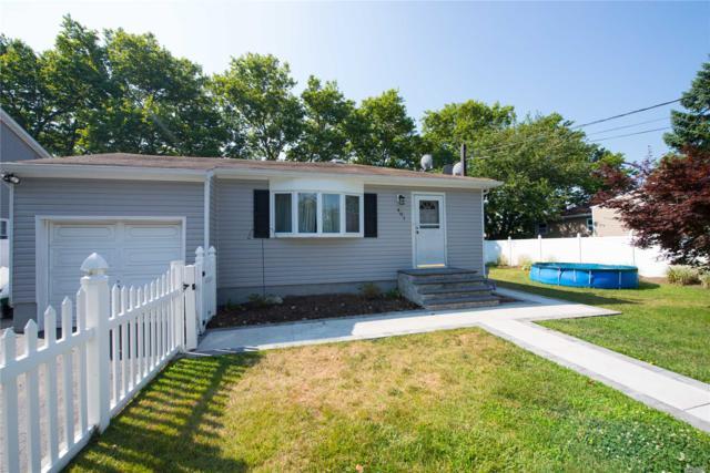 401 Robbins St, Lindenhurst, NY 11757 (MLS #3048272) :: Netter Real Estate
