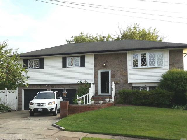 10 Tarn Ct, Deer Park, NY 11729 (MLS #3048549) :: Netter Real Estate