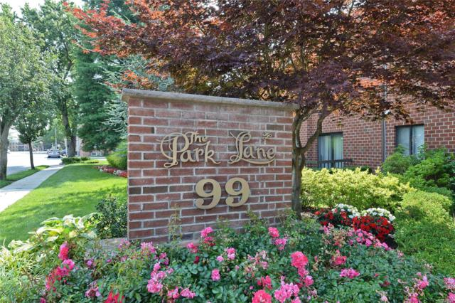 99 S Park Ave, Rockville Centre, NY 11570 (MLS #3050112) :: The Lenard Team