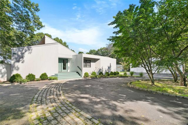 1 Old Field Ln, Quogue, NY 11959 (MLS #3060948) :: Netter Real Estate