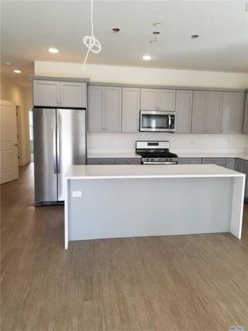 3 Park Drive N, East Islip, NY 11730 (MLS #3067477) :: Netter Real Estate