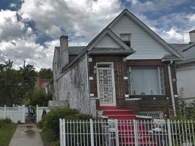 732 E 93rd St, Brooklyn, NY 11236 (MLS #3068399) :: Netter Real Estate