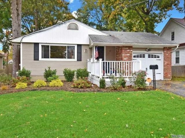 47 Boulevard Ave, Greenlawn, NY 11740 (MLS #3079328) :: The Lenard Team