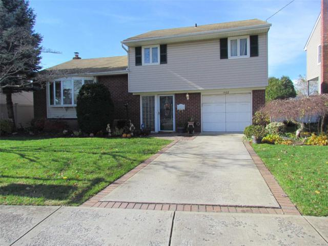 1402 Liberty Ave, N. Bellmore, NY 11710 (MLS #3080523) :: The Lenard Team