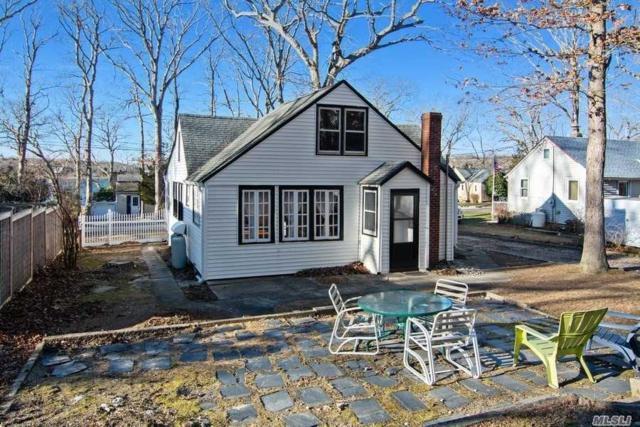 915 Oak Ave, Southold, NY 11971 (MLS #3088465) :: Keller Williams Points North