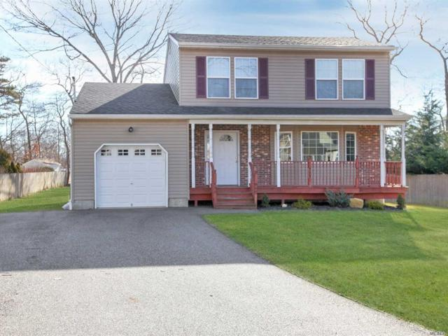 84 Putnam Ave, Patchogue, NY 11772 (MLS #3093630) :: The Lenard Team