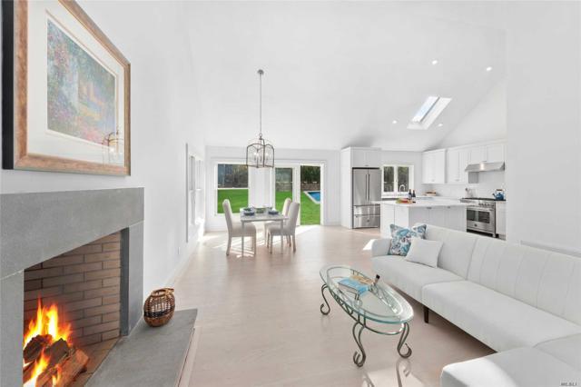 6 W Bay View Rd, Southampton, NY 11968 (MLS #3093786) :: Netter Real Estate