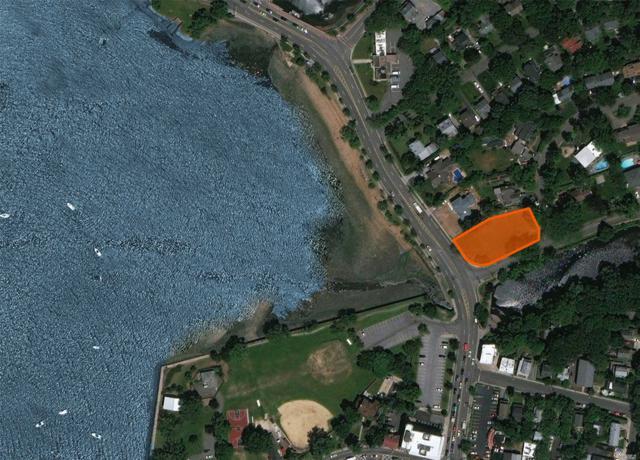15 Shore Rd, Port Washington, NY 11050 (MLS #3097959) :: Shares of New York