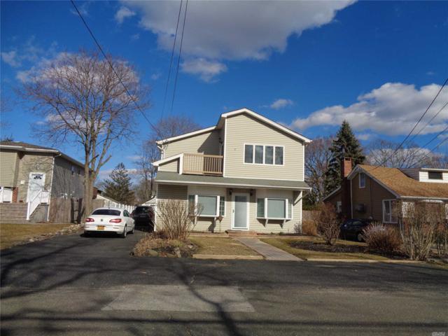 1389 N Windsor Ave, Bay Shore, NY 11706 (MLS #3109837) :: The Lenard Team