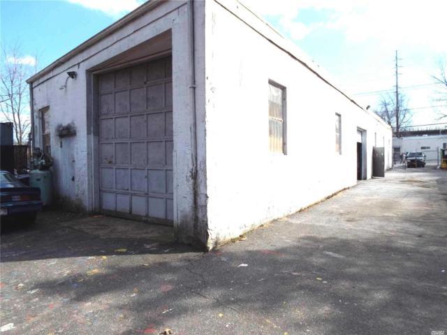 1111 Marconi Blvd, Copiague, NY 11726 (MLS #3111350) :: Keller Williams Points North