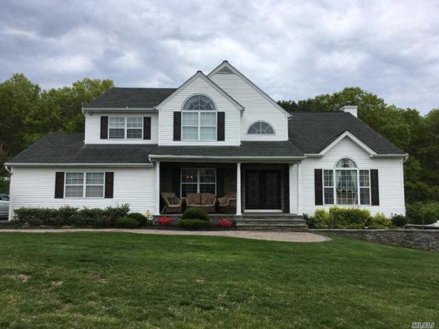 11 Scott Ln, Manorville, NY 11949 (MLS #3131622) :: Netter Real Estate
