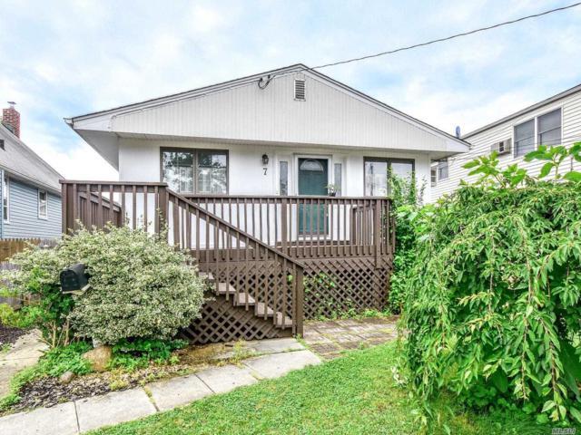 7 Graywood Rd, Port Washington, NY 11050 (MLS #3140729) :: Netter Real Estate