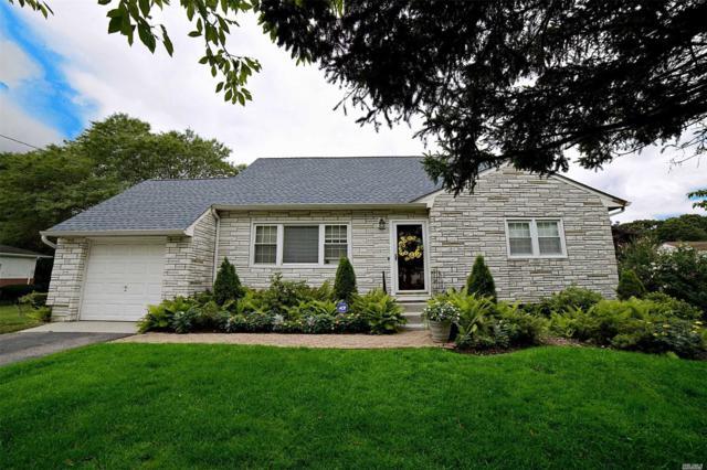 690 Wilson Blvd, Central Islip, NY 11722 (MLS #3149090) :: Netter Real Estate