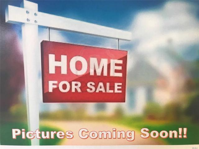 26 Castle Ln, Bay Shore, NY 11706 (MLS #3149699) :: Netter Real Estate