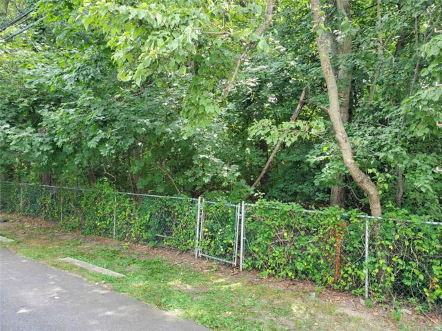 186-188 Manhattan Ave, W. Babylon, NY 11704 (MLS #3152627) :: Netter Real Estate