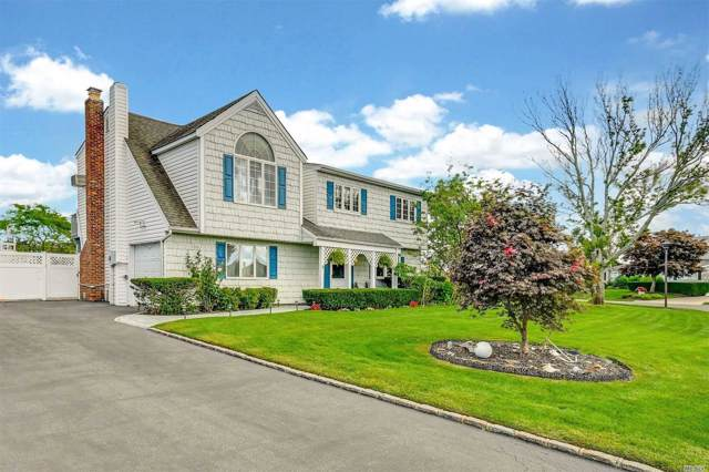 51 Dolphin Ln, Copiague, NY 11726 (MLS #3165025) :: Netter Real Estate