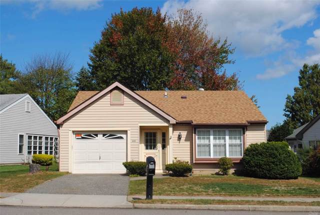 480 Stratford Ln 55+, Ridge, NY 11961 (MLS #3170876) :: Keller Williams Points North