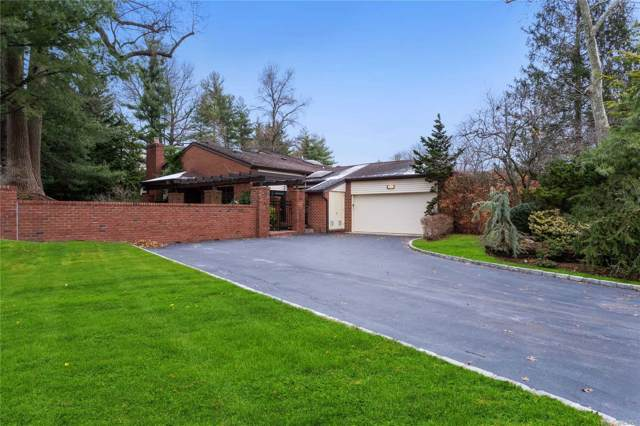 256 Estates Terr. So, Manhasset, NY 11030 (MLS #3183911) :: Kevin Kalyan Realty, Inc.