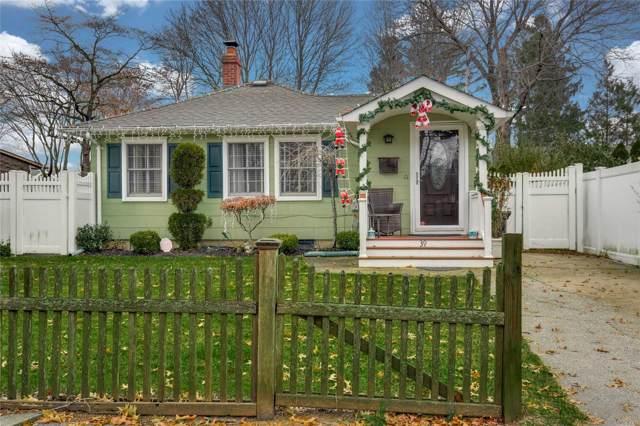 39 Oak St, Northport, NY 11768 (MLS #3184980) :: Signature Premier Properties