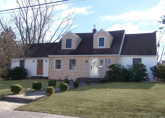 10 Humphrey Ln, Blue Point, NY 11715 (MLS #3191963) :: Denis Murphy Real Estate