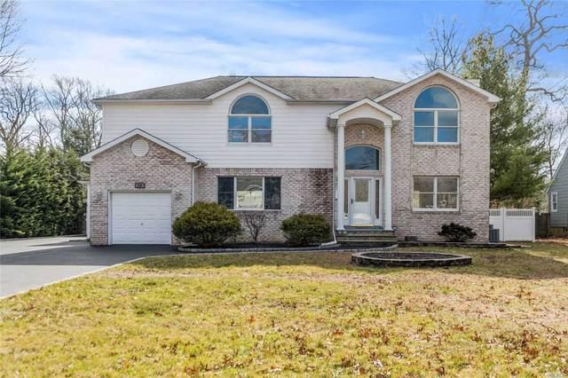 24 Naugatuck Ln, East Islip, NY 11730 (MLS #3199242) :: Denis Murphy Real Estate