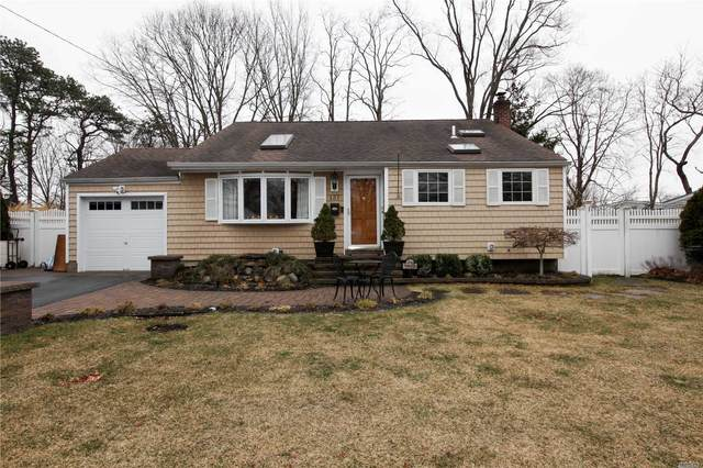 137 Foster Rd, Ronkonkoma, NY 11779 (MLS #3200568) :: Denis Murphy Real Estate
