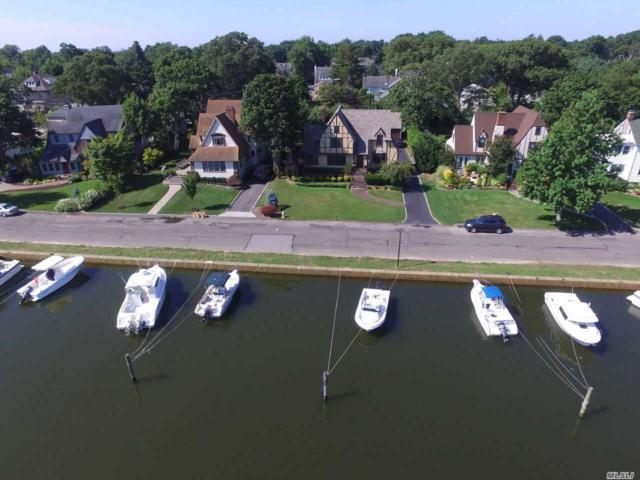 153 Concourse West, Brightwaters, NY 11718 (MLS #3017149) :: Netter Real Estate
